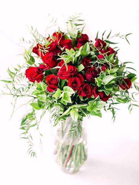 Arrangements: Classic Red Rose Vase